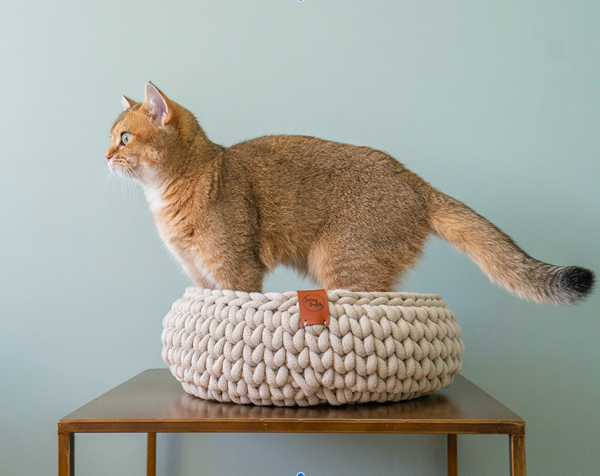 sunny baskets beige gehaakte unieke kattenmand kopen beige kattenmand bestellen catmom.nl