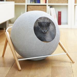 The ball meyou paris luxe kattenmand kopen stijlvolle katten mand bestellen krabmeubel kattenwebshop catmom.nl champagne light grey lichtgrijs