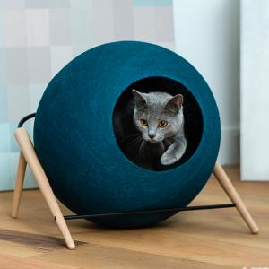 The ball meyou paris luxe kattenmand kopen stijlvolle katten mand bestellen krabmeubel kattenwebshop catmom.nl peacock groen blauw groenblauw