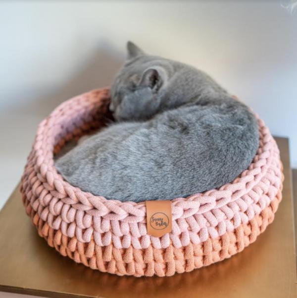 sunny baskets two tone handgemaakte gehaakte mand kattenmand kopen kattenmand bestellen handmate mand voor kat terracotta roze avocado twee kleuren